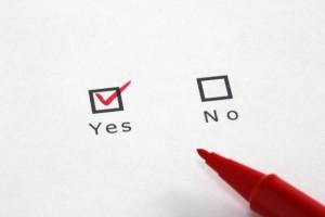 ブログは、アメブロなどの無料ブログを使うか自社ホームページでやるのとどちらがいい?